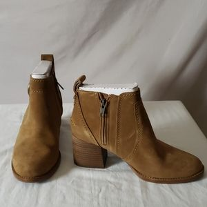New  UGG Leahy Suede Ankle Boot